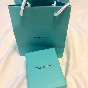 Tiffany double heart necklack(brand new unwear)